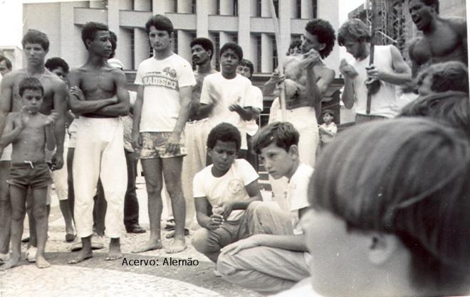 Memória em Foto: Roda da Catedral. Ano: 1986. Acervo: Alemão.